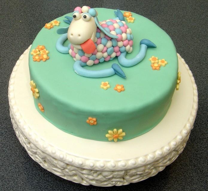 miętowy tort urodzinowy